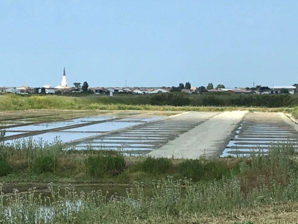 Marais salants - Vue sur Ars